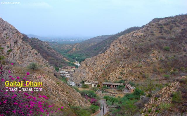 पिंक सिटी जयपुर के प्रमुख प्रसिद्ध मंदिर